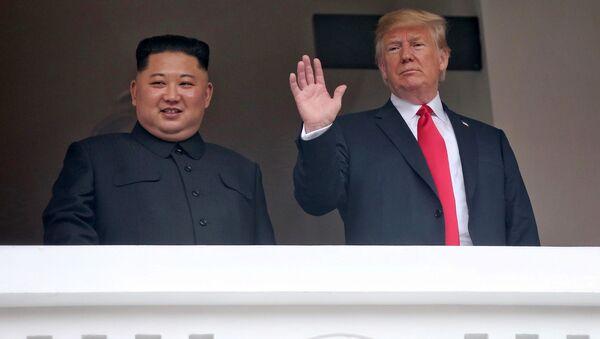 Kim ve Trump - Sputnik Türkiye