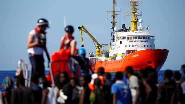 SOS Mediterranee'ye ait The MV Aquarius, Akdeniz'de göçmen kurtarma operasyonunda - Sputnik Türkiye