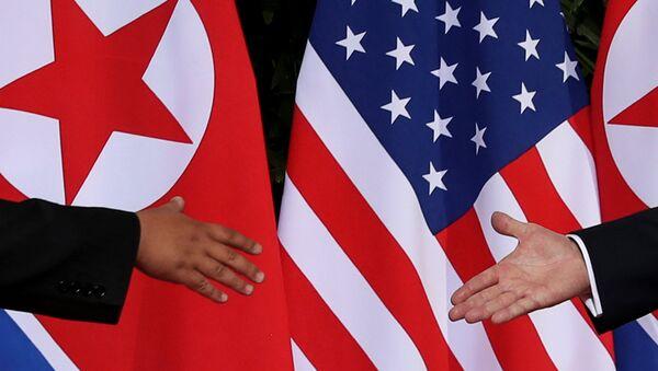 Kuzey Kore lideri Kim Jong-un-ABD Başkanı Donald Trump - Sputnik Türkiye