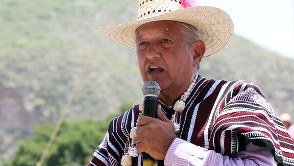 Andres Manuel Lopez Obrador, namı diğer 'Amlo' ya da 'El Peje' yani 'Timsah Zargana' - Sputnik Türkiye
