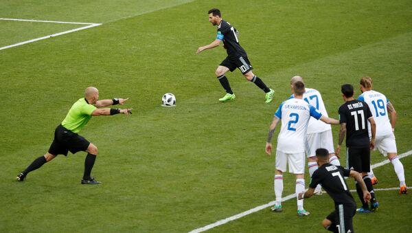 İzlanda-Arjantin maçında Lionel Messi penaltı kullandı - Sputnik Türkiye