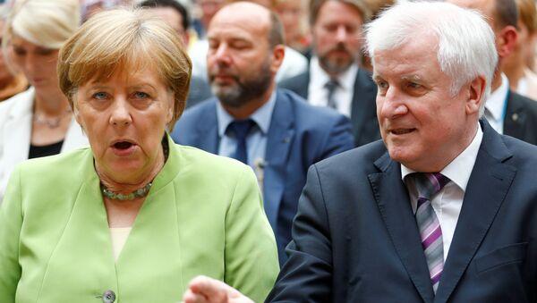 Merkel ile Seehofer - Sputnik Türkiye