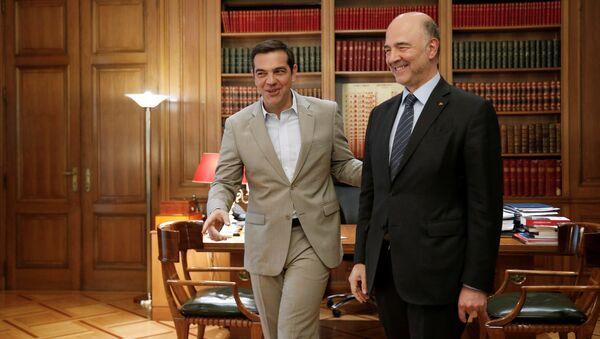 Moscovici, 3 Temmuz 2018'de 'müjdeler verdiği' Atina ziyaretinde Çipras ile de görüştü. - Sputnik Türkiye
