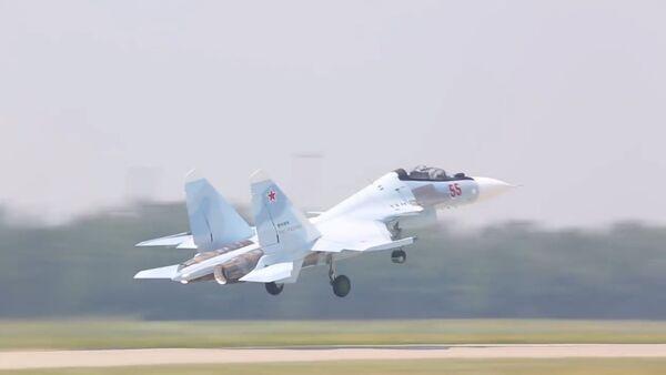 Rus Su-30SM savaş uçakları, Batı Askeri Bölgesi'nin  hizmetine girdi - Sputnik Türkiye