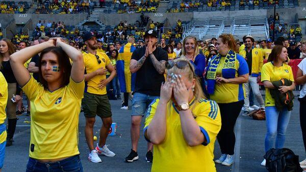İsveç'in 2018 FIFA Dünya Kupası çeyrek final turunda İngiltere'ye 2-0 yenilerek elenmesi, ülkede büyük üzüntü oluşturdu - Sputnik Türkiye