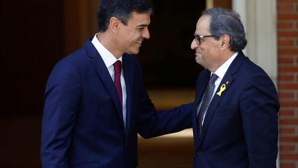 İspanya Başbakanı Pedro Sanchez ve bağımsızlık yanlısı Katalan lider Quim Torra - Sputnik Türkiye