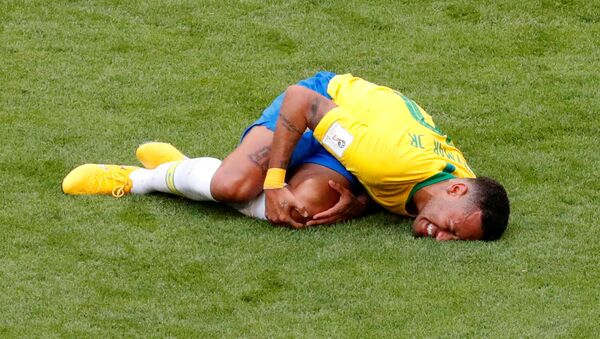 2018 FIFA Dünya Kupası Brezilya-Meksika maçında Neymar - Sputnik Türkiye