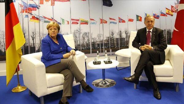 Merkel ile Erdoğan - Sputnik Türkiye