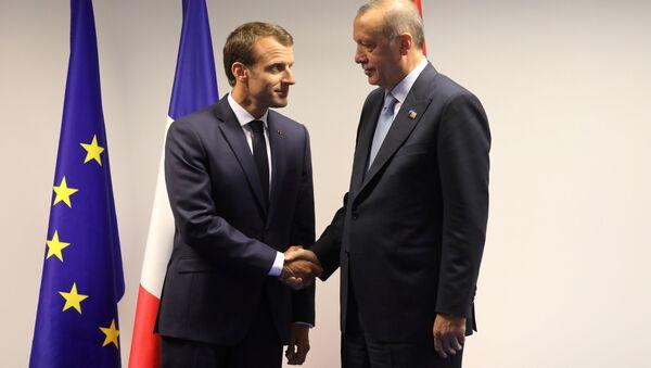 Fransa Cumhurbaşkanı Emmanuel Macron- Cumhurbaşkanı Recep Tayyip Erdoğan - Sputnik Türkiye