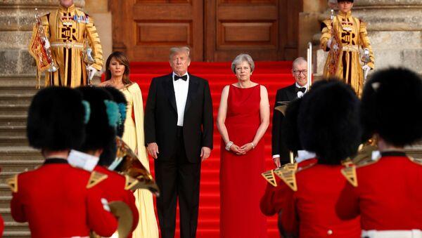 İngiltere Başbakanı Theresa May, eşi Philip May, ABD Başkanı Donald Trump ve eşi Melania Trump - Sputnik Türkiye
