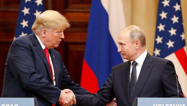 Helsinki zirvesi Putin-Trump basın toplantısı - Sputnik Türkiye