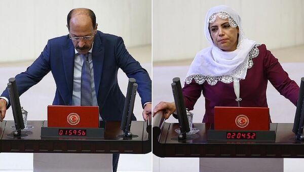 HDP Diyarbakır milletvekilleri Musa Farisoğulları ve Remziye Tosun - Sputnik Türkiye