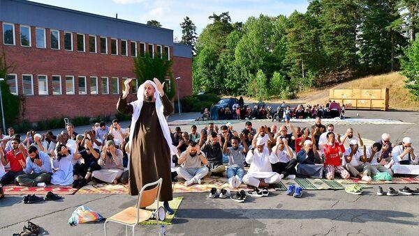 İsveç'te yaşayan Müslümanlar, uzun süredir devam eden kuraklık nedeniyle yağmur duasına çıktı - Sputnik Türkiye
