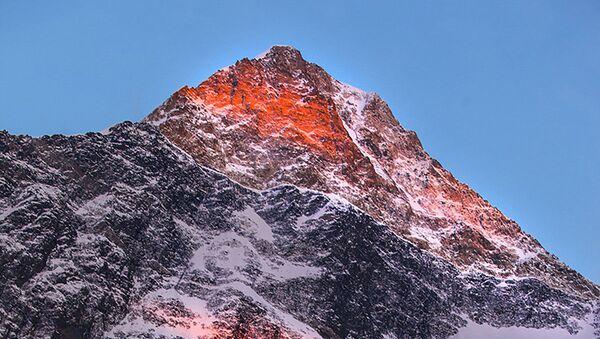 Han Tengri Dağı - Sputnik Türkiye