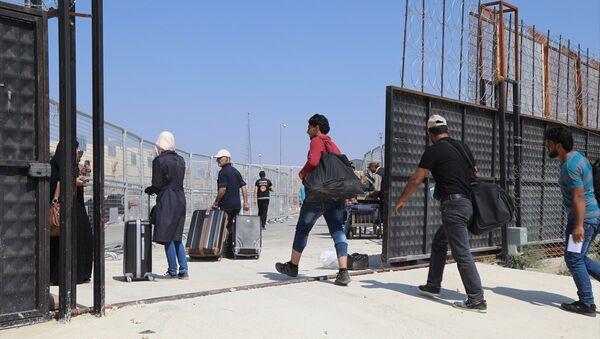Suriyeliler bayram için ülkelerine gitmeye başladı - Sputnik Türkiye