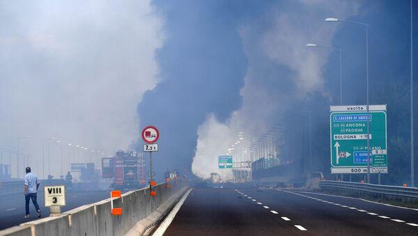 Bologna'da patlama - Sputnik Türkiye