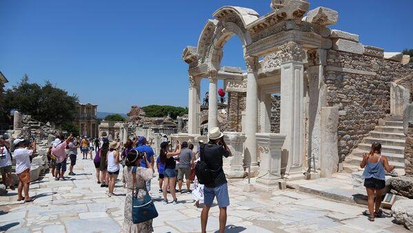 Antik Kent Efes'e turist akını - Sputnik Türkiye