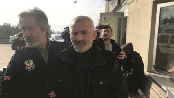 'Kahrolsun Amerikan emperyalizmi' diyerek dil kursu basan kişiye 35 yıl hapis cezası - Sputnik Türkiye