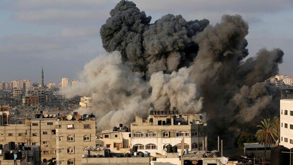 İsrail jetleri Gazze'yi vurdu - Sputnik Türkiye