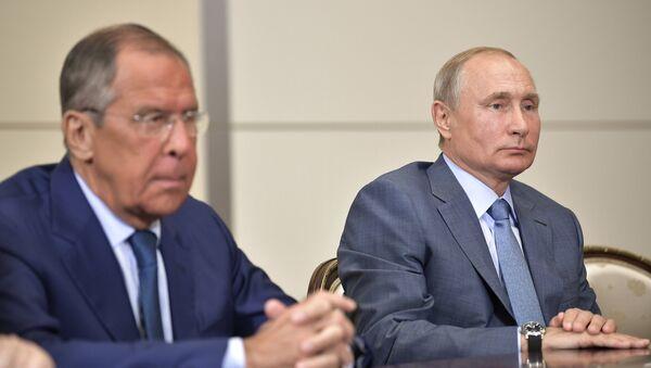 Rusya Dışişleri Bakanı Sergey Lavrov- Rusya Devlet Başkanı Vladimir Putin - Sputnik Türkiye