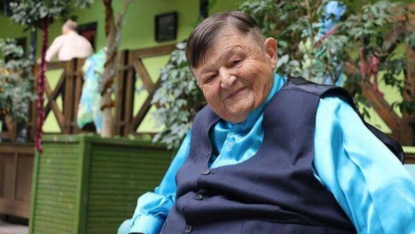 Yeşilçam'ın 'Şişko Nuri' lakaplı sanatçısı 69 yaşındaki Sıtkı Sezgin, hayatını kaybetti - Sputnik Türkiye