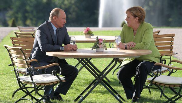 3 saat süren Putin-Merkel görüşmesi sona erdi - Sputnik Türkiye