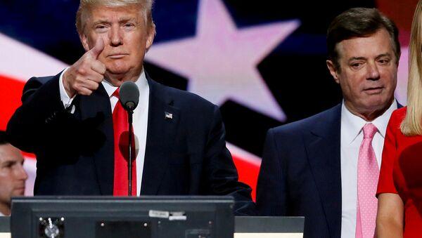 ABD Başkanı Donald Trump ve Paul Manafort - Sputnik Türkiye