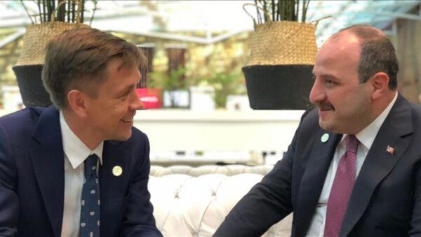 Varank, Rusya Dijital Kalkınma, Haberleşme ve Kitle İletişim Bakanı Konstantin Noskov ile görüştü - Sputnik Türkiye