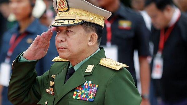 Myanmar'ın Başkomutanı Kıdemli General Min Aung Hlaing - Sputnik Türkiye