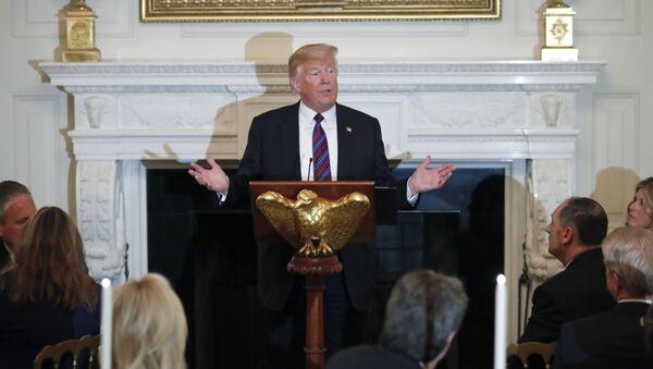 ABD Başkanı Donald Trump, Beyaz Saray'da Evanjelik liderleri ağırladı - Sputnik Türkiye