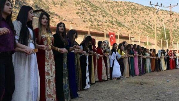 Aşiret düğününde dolar yasağı - Sputnik Türkiye