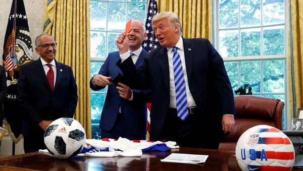 ABD Başkanı Donald Trump-FIFA Başkanı Gianni Infantino - Sputnik Türkiye