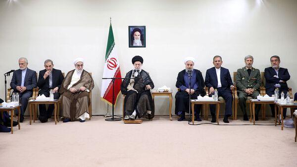 Ayettullah Ali Hamaney-Cumhurbaşkanı Hasan Ruhani ve kabinesi - Sputnik Türkiye