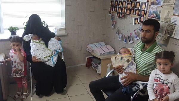 Suriyeli çift üçüz bebeklerine Recep, Tayyip, Erdoğan isimlerini verdi - Sputnik Türkiye