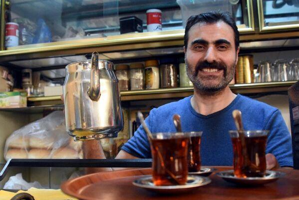 25 yıldır çay ocağı işletiyor ama hiç çay içmiyor - Sputnik Türkiye