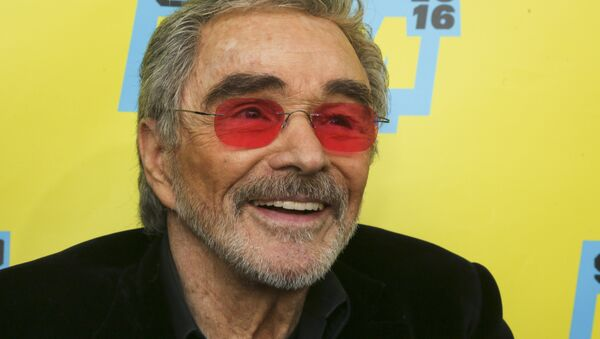 Burt Reynolds is seen at the world premiere of The Bandit at the Paramount Theatre during the South by Southwest Film Festival on Saturday, March 12, 2016, in Austin, Texas. - Sputnik Türkiye