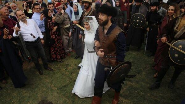 Recep Akdağ'ın oğlu 'Kayı düğünü' ile evlendi - Sputnik Türkiye