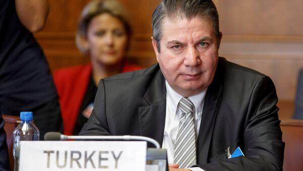 Cenevre'deki toplantıda Türkiye heyetinin başında Dışişleri Bakan Yardımcısı Sedat Önal vardı. - Sputnik Türkiye