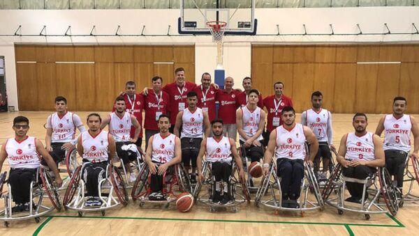 Avrupa 22 Yaş Altı Erkekler Tekerlekli Sandalye Basketbol Şampiyonası'nda Türkiye, finalde Almanya'yı 67-64 yenerek şampiyon oldu. - Sputnik Türkiye