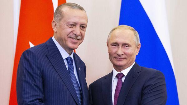 Soçi'de Putin ile Erdoğan'dan İdlib'de silahsız bölge açıklaması - Sputnik Türkiye