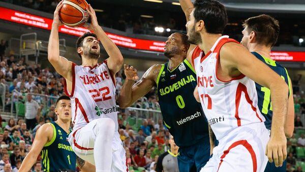 Türkiye A Milli Basketbol Takımından önemli galibiyet - Sputnik Türkiye
