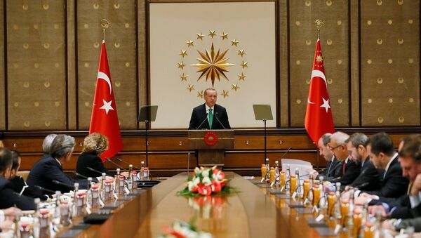 Türkiye Cumhurbaşkanı Recep Tayyip Erdoğan, Cumhurbaşkanlığı Külliyesi'nde ABD'li şirketlerin Türkiye temsilcileriyle bir araya geldi. - Sputnik Türkiye