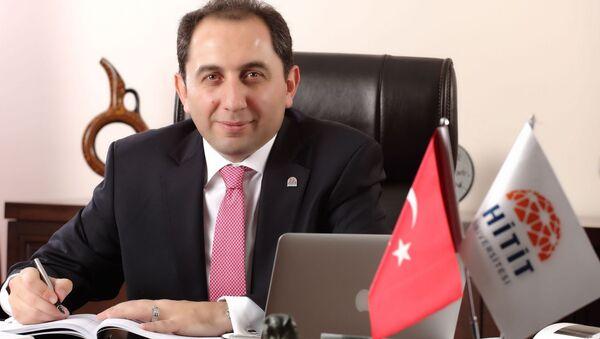 Metin Alkan - Hitit Üniversitesi - Sputnik Türkiye