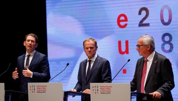 Avrupa Birliği (AB) Konseyi Başkanı Donald Tusk, Avrupa Komisyonu Başkanı Jean-Claude Juncker ve Avusturya Başbakanı Sebastian Kurz - Sputnik Türkiye