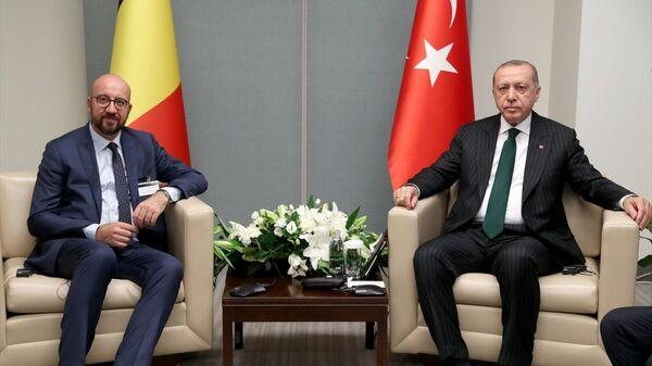 Belçika Başbakanı Charles Michel ile Türkiye Cumhurbaşkanı Recep Tayyip Erdoğan - Sputnik Türkiye
