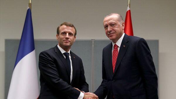 Cumhurbaşkanı Recep Tayyip Erdoğan, Fransa Cumhurbaşkanı Emmanuel Macron - Sputnik Türkiye