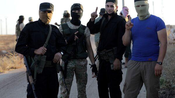 Fua ve Kefriya köylerinin çevresindeki Nusra (Heyet Tahrir el Şam) militanları - Sputnik Türkiye