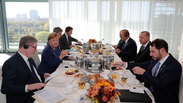 Berlin'de Erdoğan-Merkel heyetlerarası görüşmeler - Sputnik Türkiye