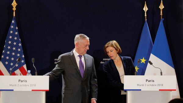 ABD Savunma Bakanı James Mattis- Fransa Savunma Bakanı Florence Parly - Sputnik Türkiye