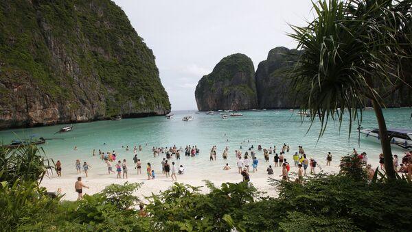Tayland'ın Phi Phi Lee adasındaki Maya koyu - Sputnik Türkiye